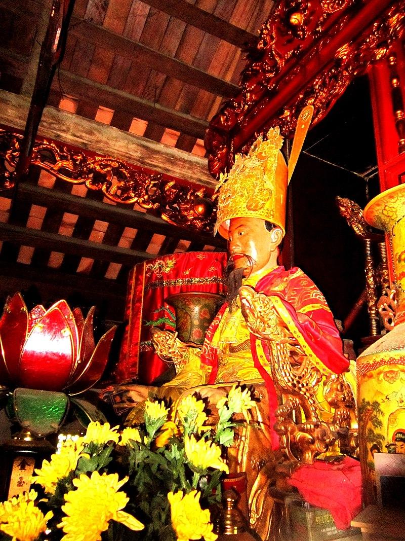 Statue of Ngo Quyen