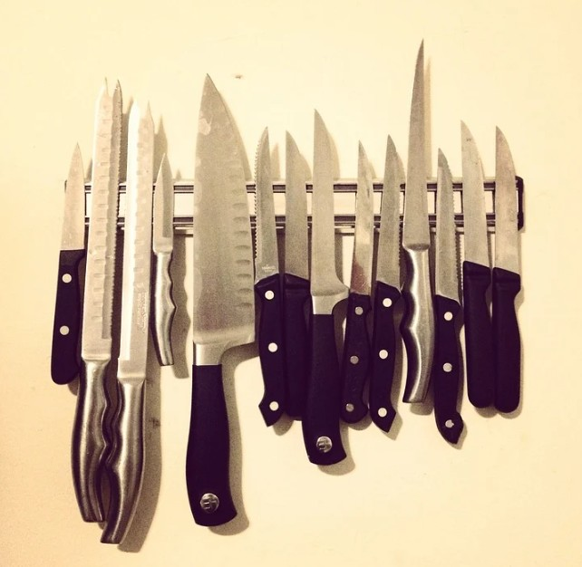 Different Types of Knives to have in your Kitchen