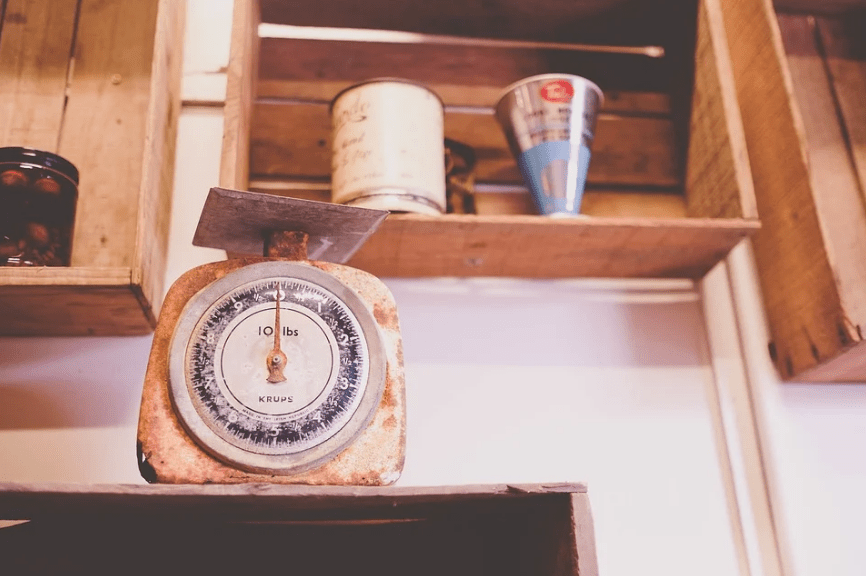 a mechanical scale for kitchens