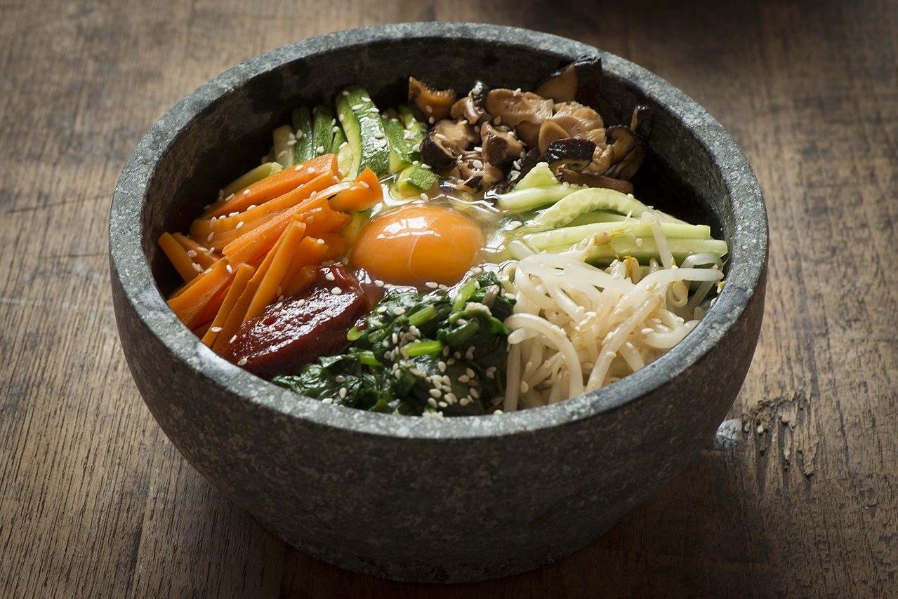 Image of bibimbap in a bowl.